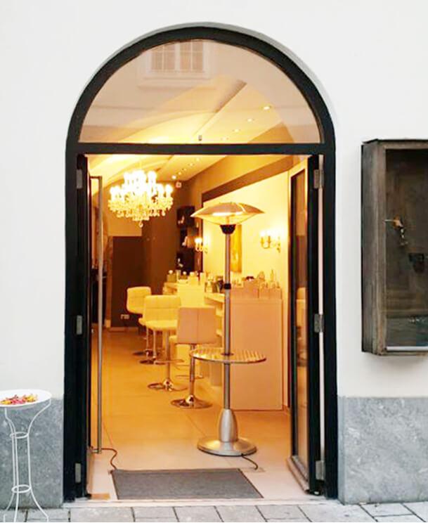 Venofye store door